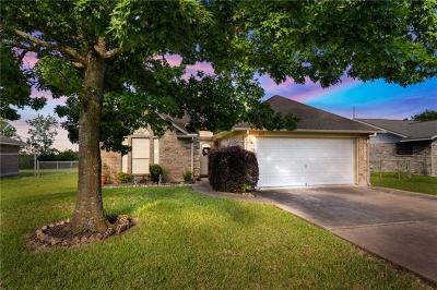 Lockhart Single Family Home Pending - Taking Backups: 813 San Jacinto St