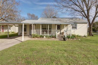 Smithville TX Single Family Home For Sale: $159,000