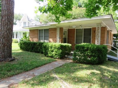 Bastrop County Single Family Home Pending - Taking Backups: 707 N Main St