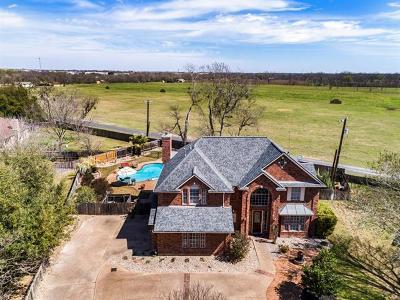 Single Family Home For Sale: 13 Oak Vw