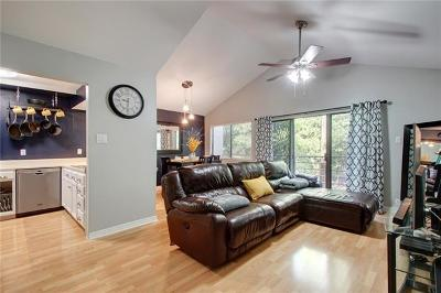 Austin Condo/Townhouse Pending - Taking Backups: 6810 Deatonhill Dr #202