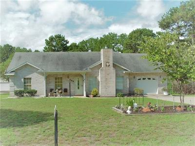 Bastrop TX Single Family Home For Sale: $259,900