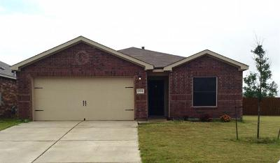 Single Family Home For Sale: 1324 Twin Estates Dr