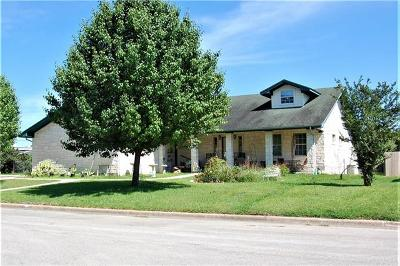 Lockhart Single Family Home For Sale: 1604 Meadow Ln