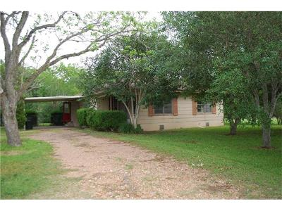 Flatonia TX Single Family Home Pending: $69,000