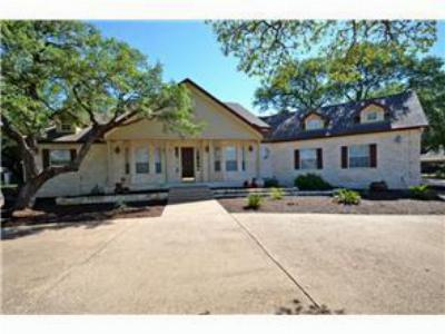 Single Family Home Sold: 124 Roberts Cir