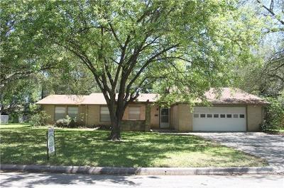 Lockhart Single Family Home For Sale: 908 Merritt Dr