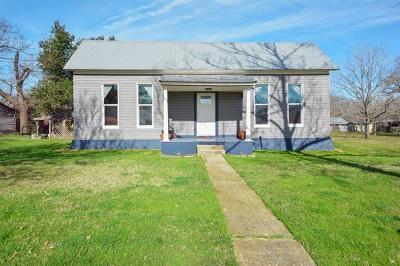 Rockdale TX Single Family Home For Sale: $123,000