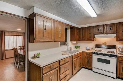 Elgin Single Family Home For Sale: 106 N Avenue E