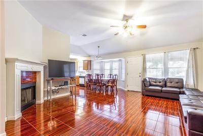 Single Family Home For Sale: 5302 Lark Creek Dr