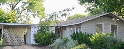 Single Family Home For Sale: 1609 Cloverleaf Dr