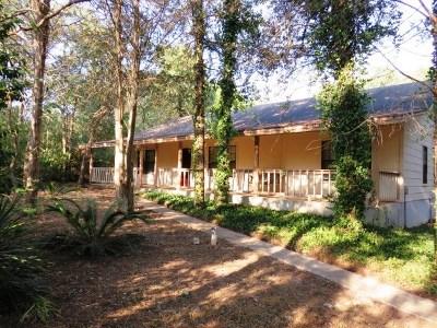 Elgin Single Family Home For Sale: 164 Cedar Hills Dr