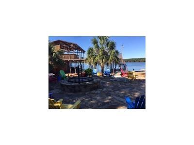 Burnet County Single Family Home For Sale: 136 Hidden Oaks Dr