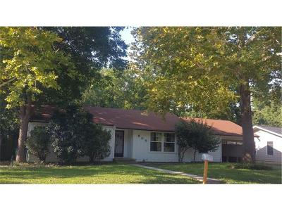 Taylor Single Family Home For Sale: 905 Fisher St