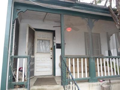 Single Family Home For Sale: 303 Navasota St
