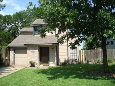 Round Rock Single Family Home Pending - Taking Backups: 805 Meadowcreek Dr