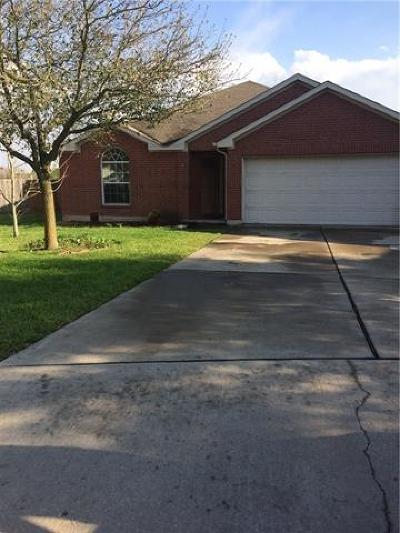 Hutto TX Single Family Home Pending - Taking Backups: $219,900