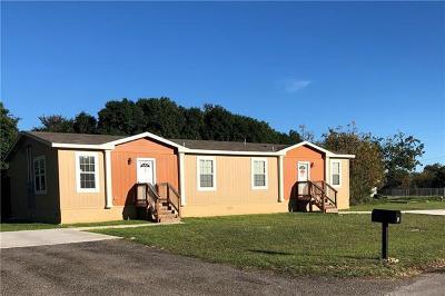 Lockhart Multi Family Home For Sale: 121 Reynolds St