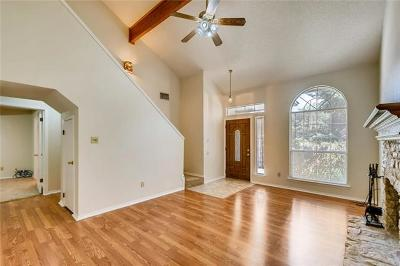 Round Rock Single Family Home For Sale: 1705 Rusty Nail Loop