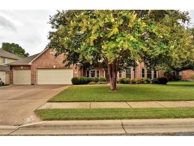 Round Rock Single Family Home Pending - Taking Backups: 7002 Evans Dr