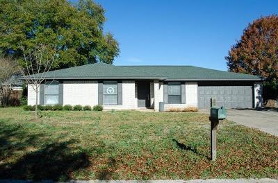 Rockdale TX Single Family Home For Sale: $197,000