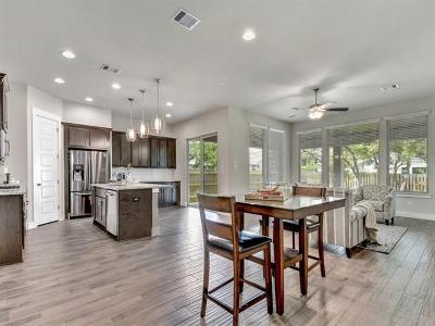 Single Family Home For Sale: 194 Lavaca Heights Dr