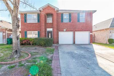 Single Family Home Pending - Taking Backups: 16817 Constantinople Ln
