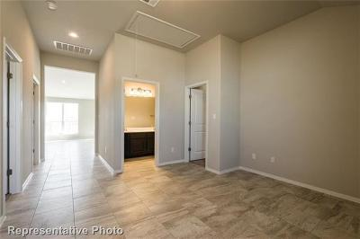 Leander Single Family Home For Sale: 2433 Burberry Ln