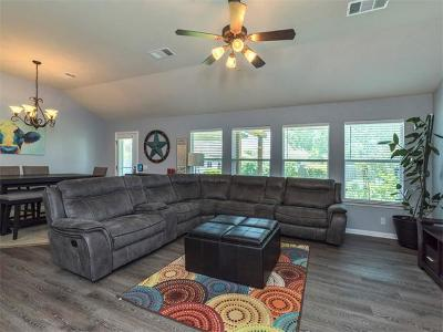 Pflugerville Single Family Home For Sale: 904 Old Wick Castle Way