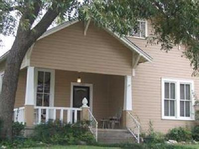 Georgetown Single Family Home Pending - Taking Backups: 1103 S Elm St