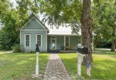 Bastrop County Single Family Home For Sale: 400 Short St