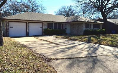 Single Family Home Active Contingent: 5709 Sandhurst Cir
