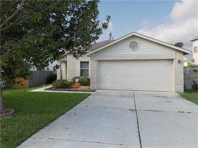 Elgin Single Family Home For Sale: 202 Blanco Woods Blvd