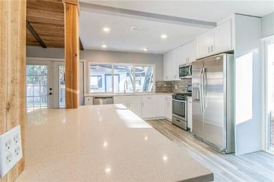 Austin Single Family Home For Sale: 9301 Hunters Trce