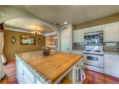 Lakeway Condo/Townhouse For Sale: 189 World Of Tennis Sq