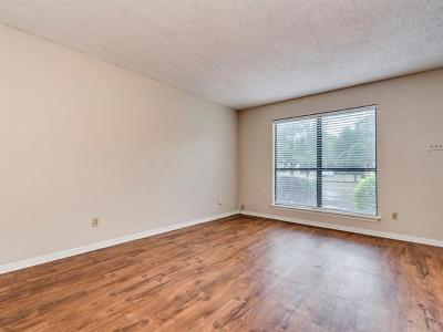 Condo/Townhouse Pending - Taking Backups: 3009 Whisper Oaks Ln #C