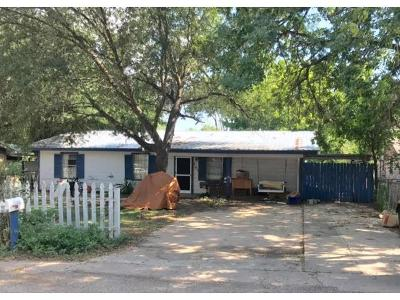 Bastrop TX Single Family Home For Sale: $89,000