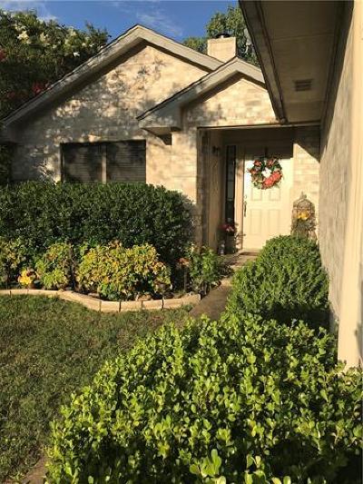 Leander Single Family Home For Sale: 16307 Kicking Bird Dr