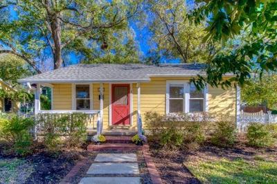 Single Family Home Pending - Taking Backups: 1800 W Saint Johns Ave