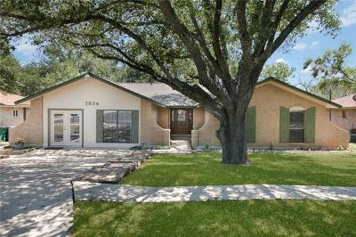 Kinney County, Uvalde County, Medina County, Bexar County, Zavala County, Frio County, Live Oak County, Bee County, San Patricio County, Nueces County, Jim Wells County, Dimmit County, Duval County, Hidalgo County, Cameron County, Willacy County Single Family Home For Sale: 7834 Hawk Trail