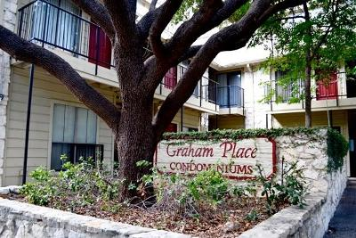Condo/Townhouse For Sale: 708 Graham Pl #205