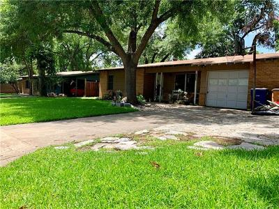 Single Family Home For Sale: 1411 Hillcrest Dr