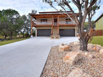 Single Family Home For Sale: 208 Buckhorn Dr