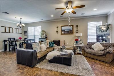 Del Valle Single Family Home For Sale: 4901 Lexington Meadow Ln