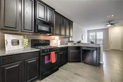 Pflugerville Condo/Townhouse For Sale: 521 N Heatherwilde Blvd