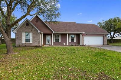 Bastrop Single Family Home Pending - Taking Backups: 104 Kaylyn Ct
