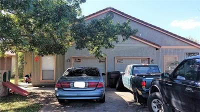Lockhart Multi Family Home For Sale: 911 Crockett St