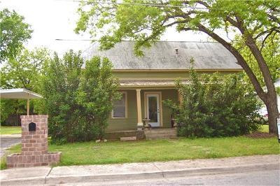 Lockhart Single Family Home For Sale: 639 S Brazos St