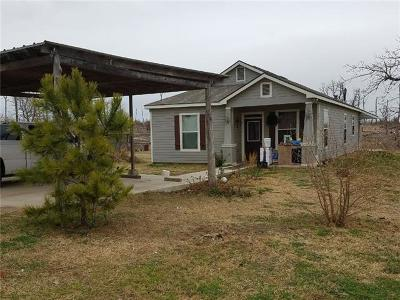 Bastrop County Single Family Home For Sale: 118 Edwards Ln