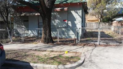 Single Family Home For Sale: 108 Comal St